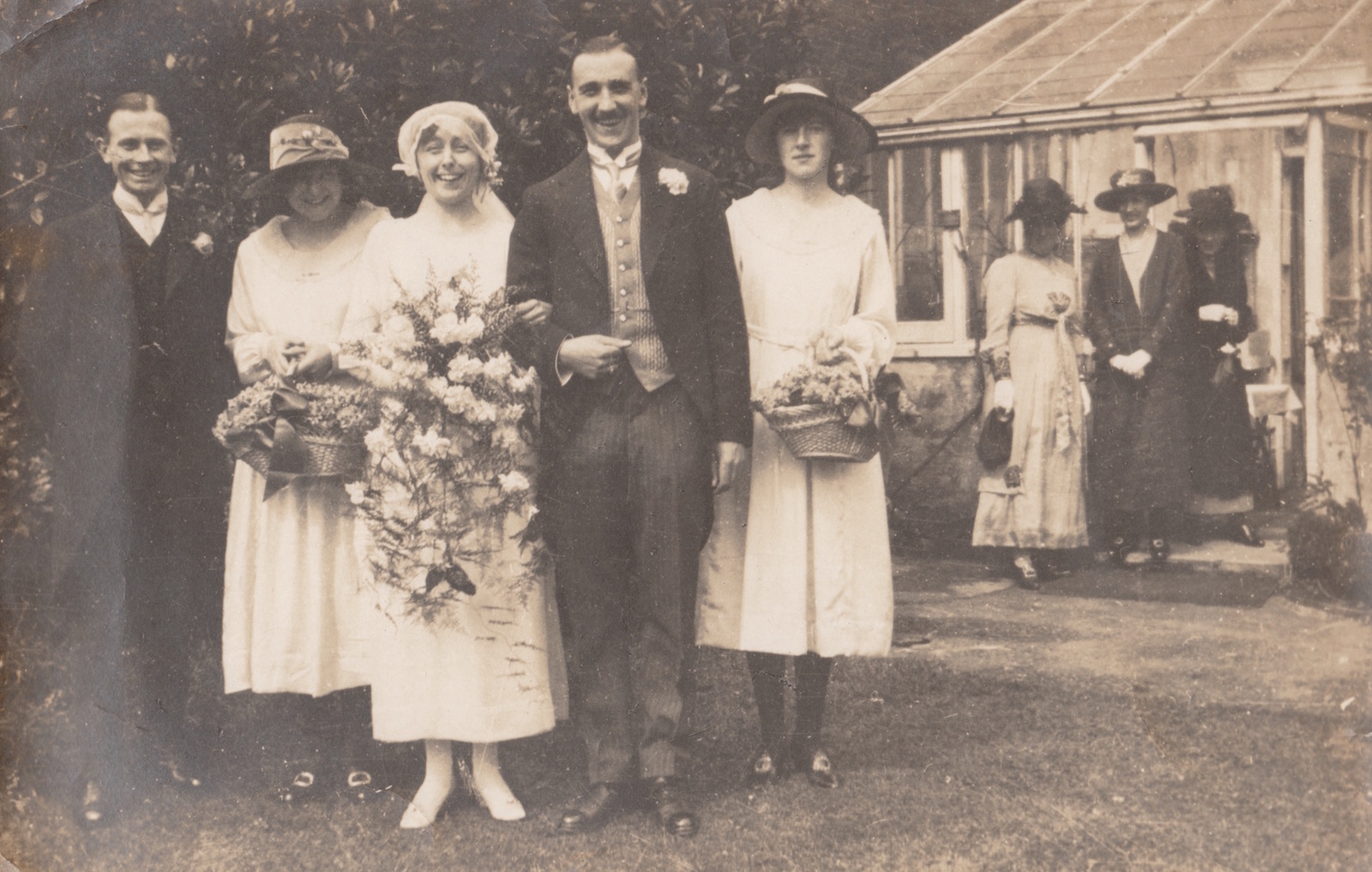 Muriel Baillie, Bill, Dora and sister Hilda