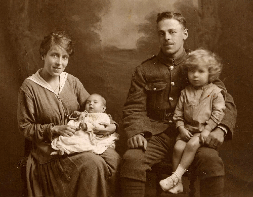 Nell and Fred with Eile and Roy in 1918